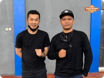 Taufik Hidayat - Raga Sport Flooring